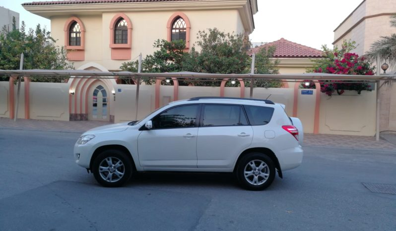 Totota Rav4 / 2012 (White) full